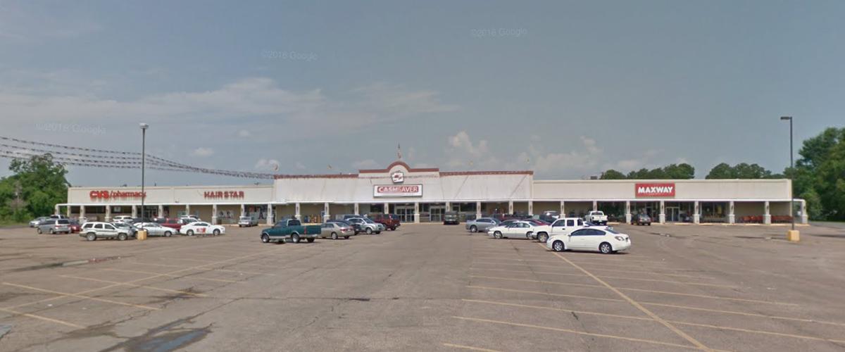 Evangeline Village Shopping Center – St. Martinville Front