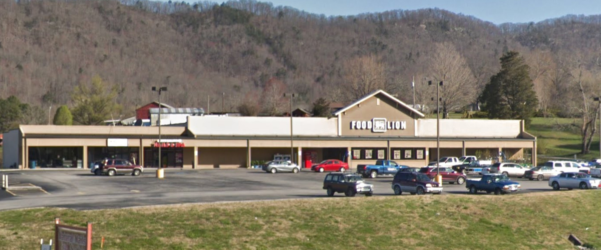 Valley View Shopping Center – LaFollette, Tennessee Left